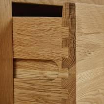 Tủ chén thấp Rivermead nhỏ gỗ sồi
