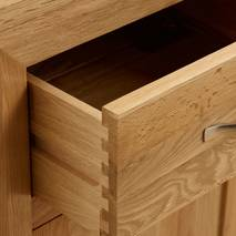 Tủ 5 ngăn kéo đứng Bevel gỗ sồi