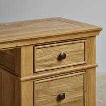 Bàn Classic 3 ngăn kéo gỗ sồi